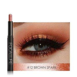 Eyeshadow pencil in brown spark